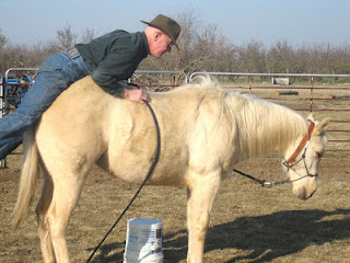 anciano+sobre+un+caballo3