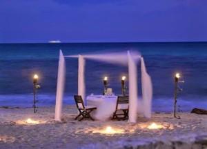 cena-en-la-playa-300x216