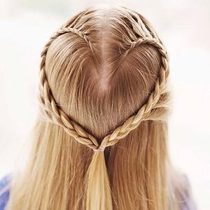 peinado de trenza en forma de corazon
