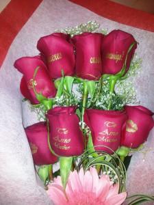 Rosas con dedicatorias