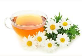 te de manzanilla con miel y limon para el dolor de cabeza