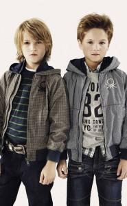 chicos con ropa de primavera-verano